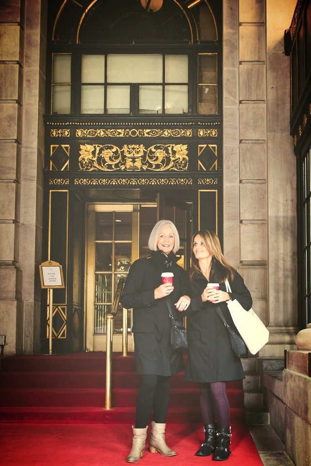 Claire Newell and her Mom in NYC. Vacation Photographer in New York City. Flytographer