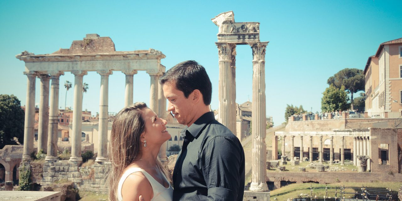 Romantic Honeymoon Photos in Rome  |  Hire a Honeymoon Photographer