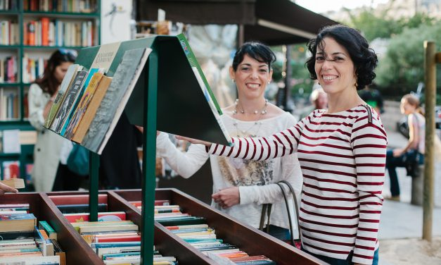 Sisters Stroll The 5th Arrondissement in Paris