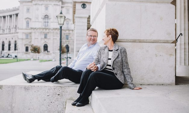 Romantic Vacation Photos in Vienna | Hire a Vacation Photographer in Vienna
