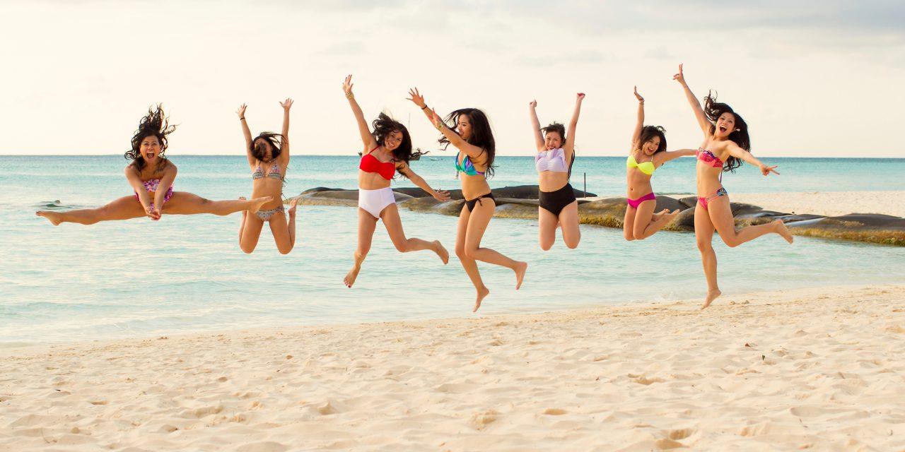 Best Friends, Best Souvenir   Cancun Vacation Photographer