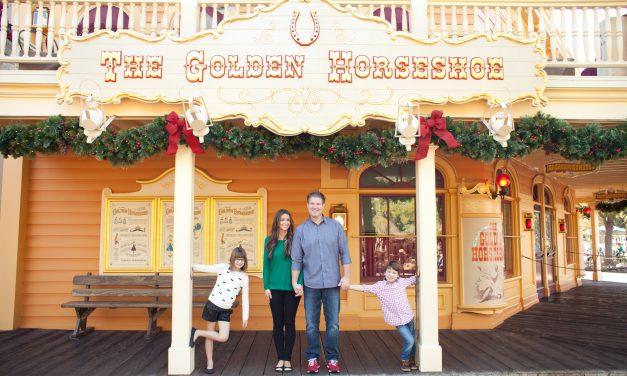 Holiday Magic in Disneyland   Disneyland Vacation Photographer