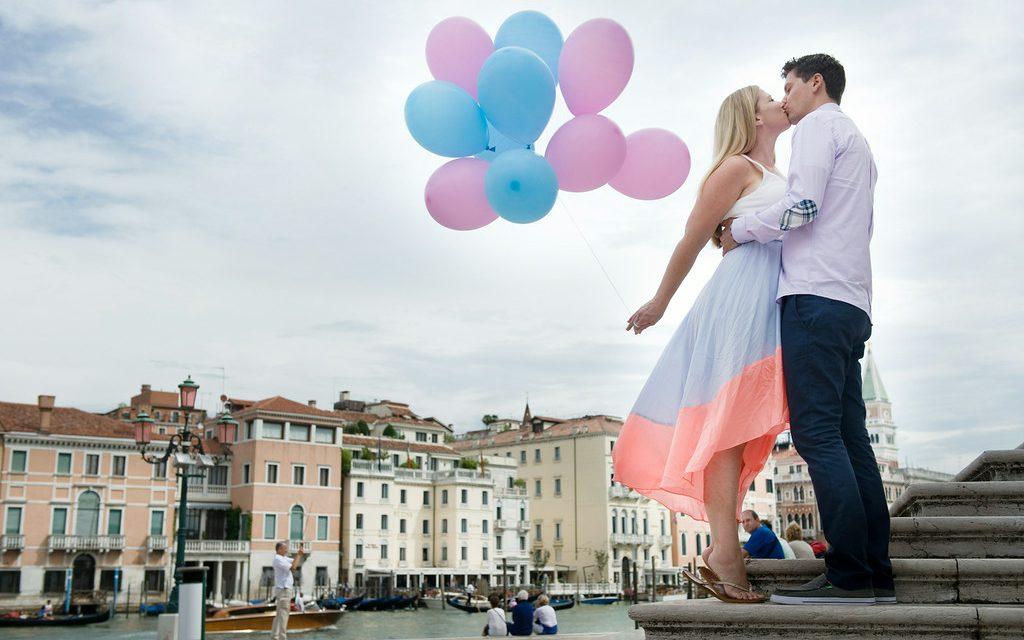 Pink & Blue Babymoon in Venice