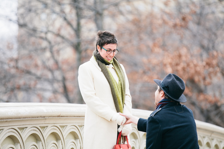 Special Proposal on Bow Bridge | New York City Proposal Photographer