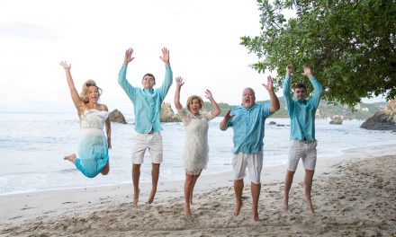 Family Photo Fun in Zihuatanejo | Mexico Vacation Photography