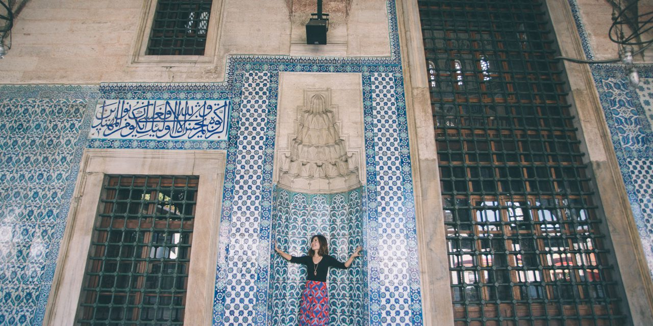 Flytographer Travel Guide: Top Tips for Exploring Istanbul   Istanbul Vacation Photographer