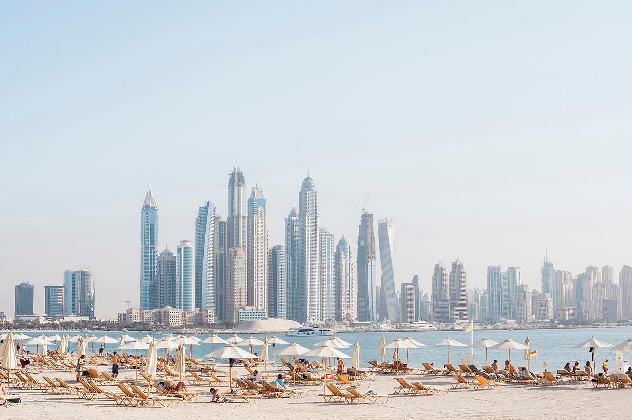 Capturing Friendship in Dubai   Flytographer