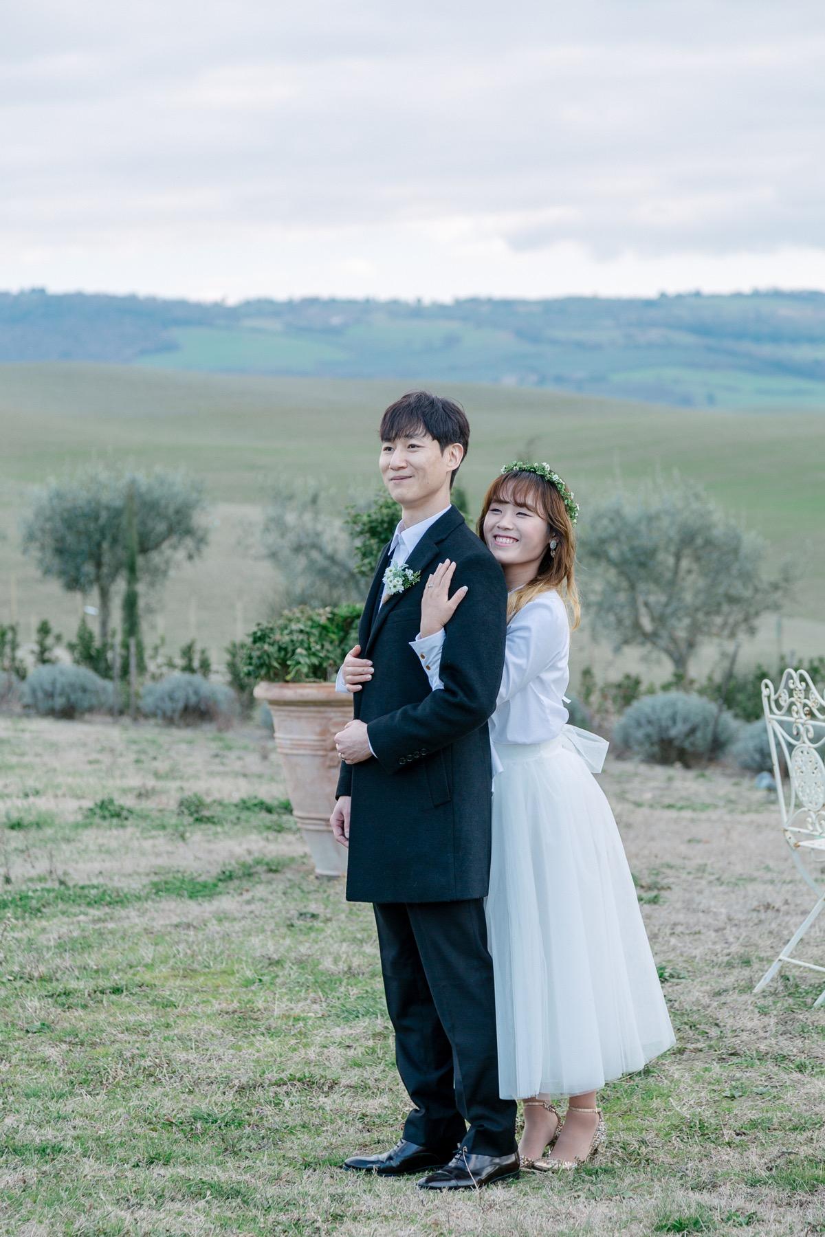 A Beautifully Rustic Honeymoon Shoot in Tuscany | Tuscany Vacation ...