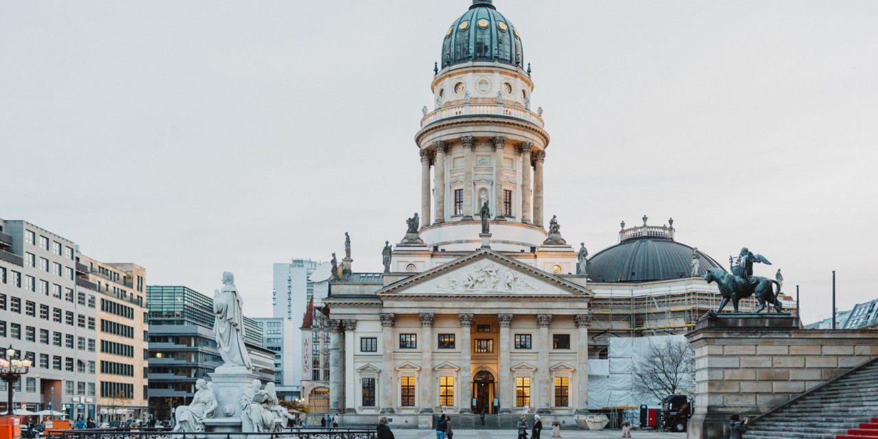 Flytographer Travel Guide: Best of Berlin | Flytographer Vacation Photographer