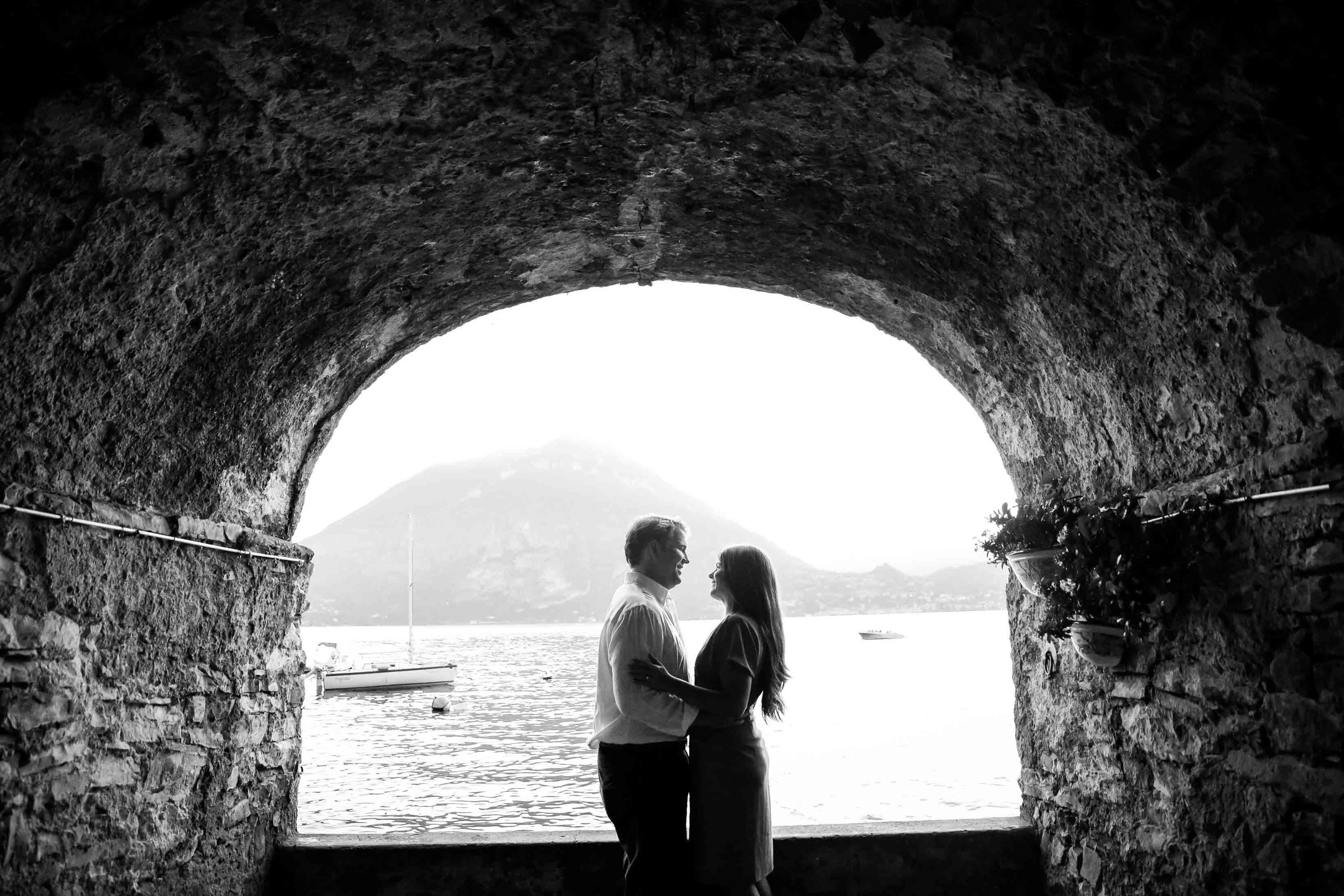 Flytographer:  Marian in Lake Como