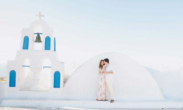 How to Honeymoon in Santorini
