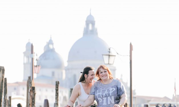 A Flytographer and Her Mom Spend a Special Trip Together in Venice
