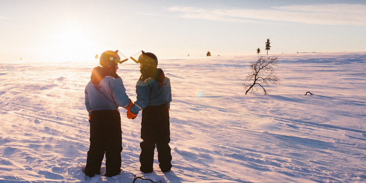 A Magical Surprise Marriage Proposal in the Fells of Finland – featuring Reindeer!