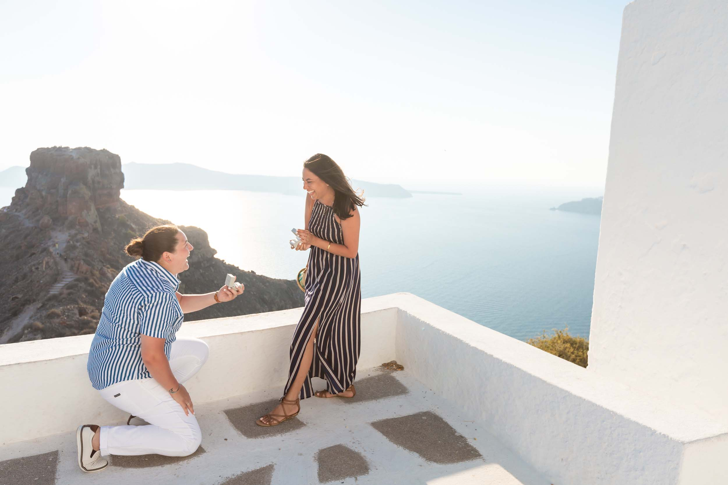 santorini-proposal-flytographer