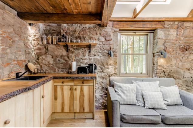 Dovecot Cottage in Edinburgh, Scotland. (Photo: Courtesy Airbnb)