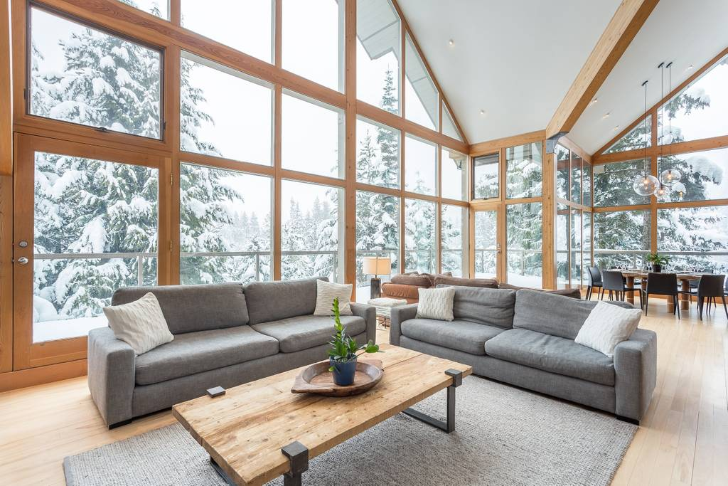 Luxe Whistler Chalet Airbnb in Whistler, B.C., Canada. (Photo: Courtesy Airbnb)