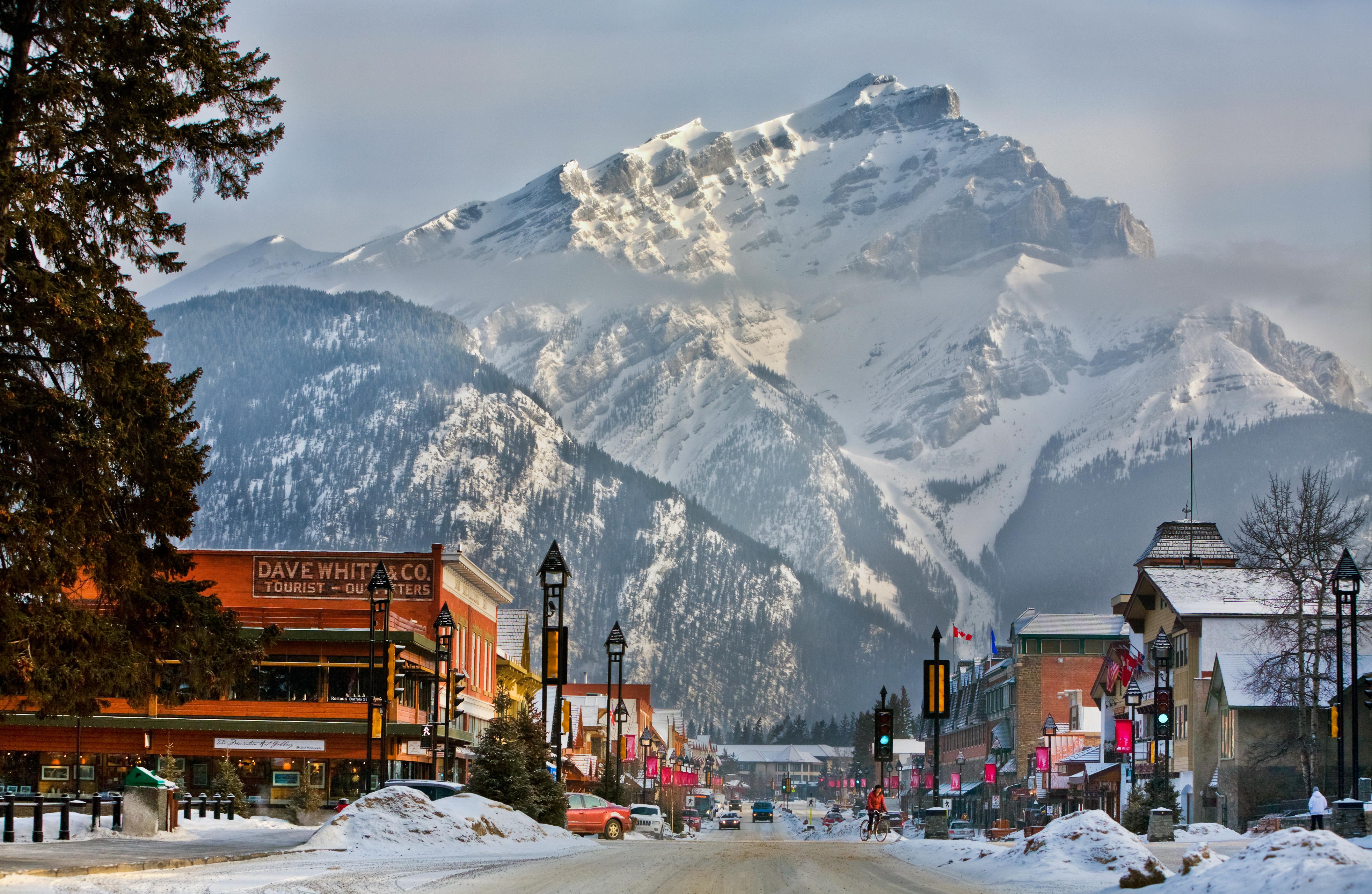 The city of Banff with its mountain backdrop. (Photo: Banff Lake Louise Tourism / Paul Zizka Photography)