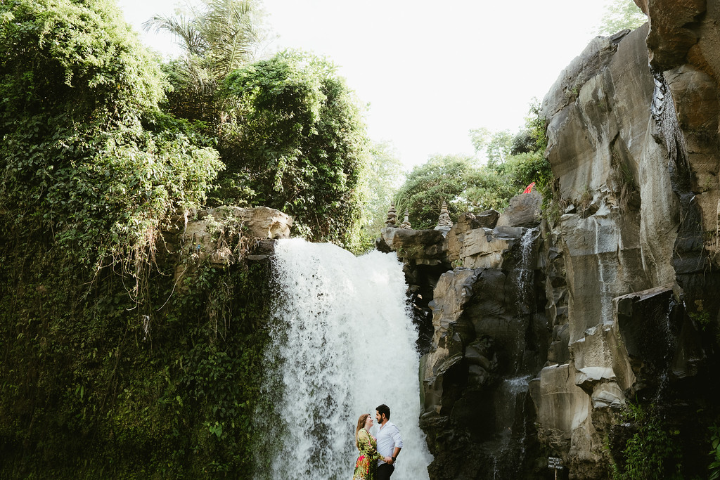 (Photo: Flytographers Bayu and Ivony in Bali)